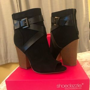 Shoe Dazzle Perla Booties Size 6